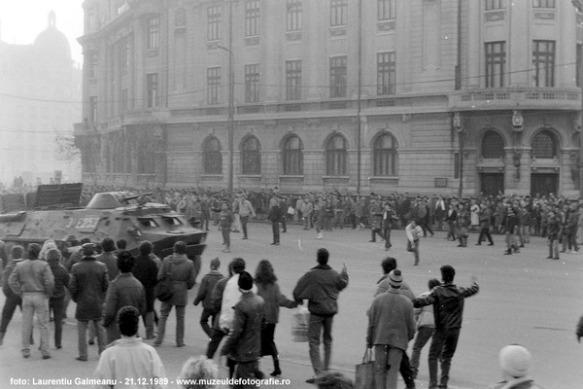 taburile-intra-in-Piata-Universitatii-21-decembrie-1989